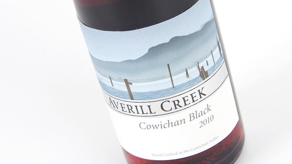 Averill-bottles-Black-cropped
